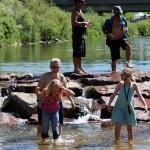 Mellem hotellet og 16th Street Mall lå der en lille flod, der tydeligvis var populær i sommervarmen.